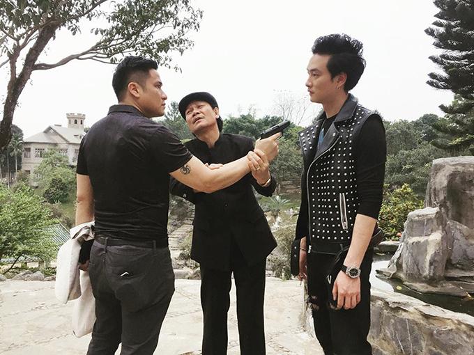 Trong phim Quỳnh búp bê, Trọng Lân vào vai Phong - con trai lão Cấn (NSƯT Nguyễn Hải).