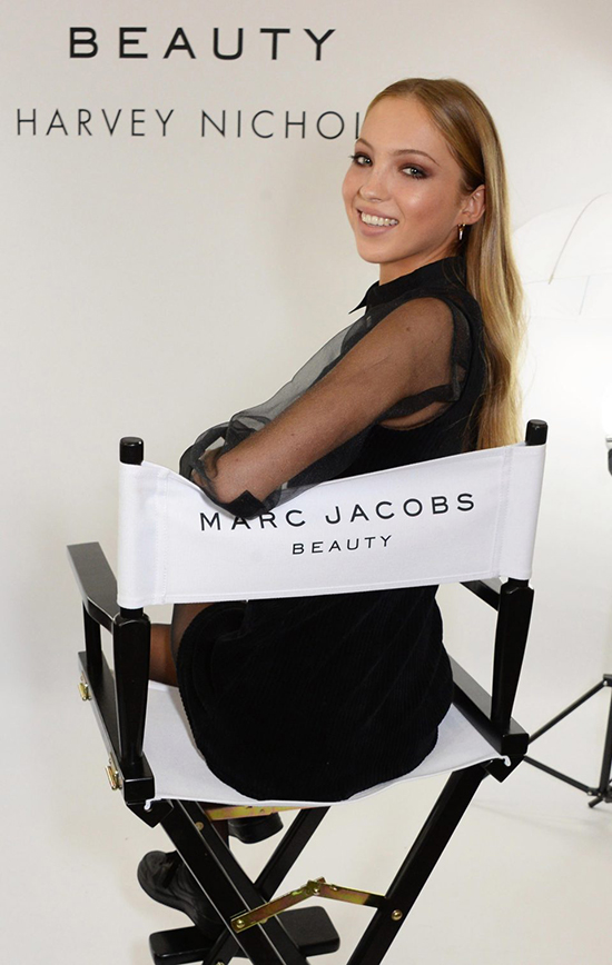 Con gái 16 tuổi của Kate Moss nối gót mẹ trở thành người mẫu - ảnh 1