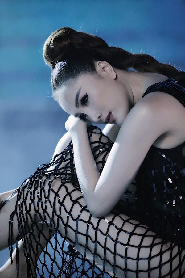 I cant breathe được nhạc sĩ Nguyễn Bảo Trọng sáng tác, riêng phần Rap do Bảo Thy viết lời.
