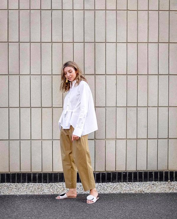 Ngoài váy dài, đầm dáng suông phái đẹp có thể chọn thêm các kiểu áo sơ mi free size để phối cùng quần ống lửng, quần đáy thụng để tôn cá tính.