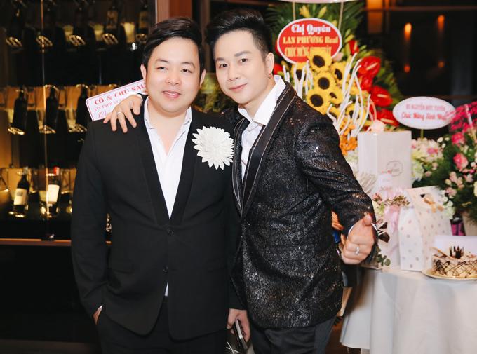 Quang Lê ăn mặc lịch lãm dự sinh nhật bạn thân Quách Tuấn Du.