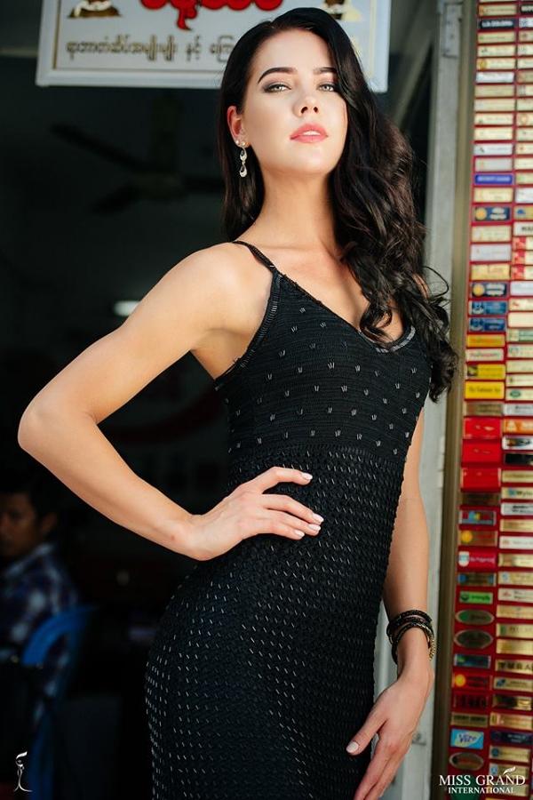 Ở khu vực châu Âu và châu Phi, Hoa hậu Estonia - Karolin Kippasto là gương mặt bứt phá sau phần bình chọn.
