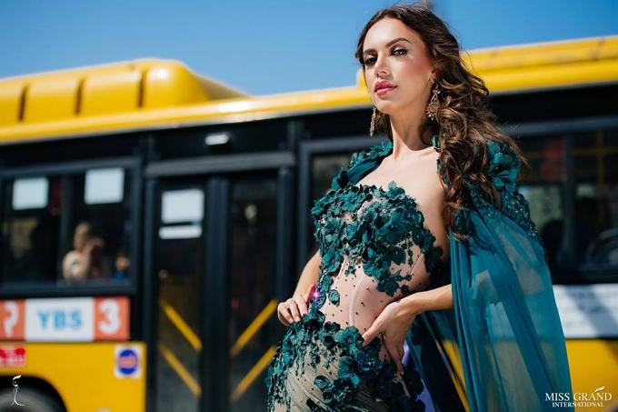 Khu vực châu Mỹ luôn có những thí sinh nổi bật, có thể kể đến Hoa hậu Mexico - Lezly Díaz. Cô 23 tuổi, cao 1,73m.