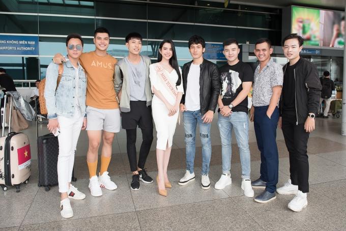 Liên Bỉnh Phát tiễn người đẹp Huỳnh Vy đi thi quốc tế - 6