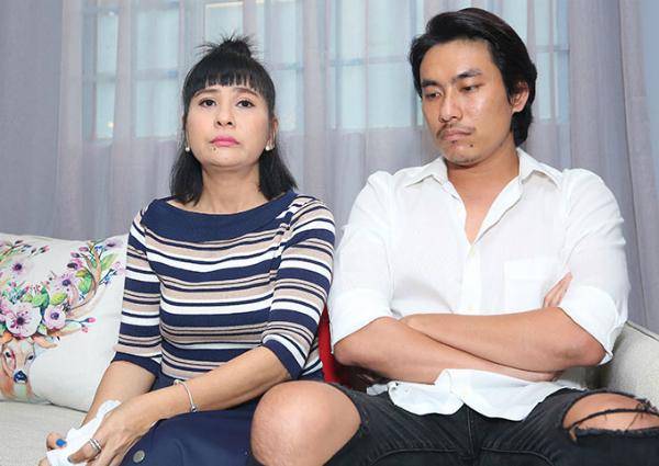 Cát Phượng và Kiều Minh Tuấn trong buổi gặp gỡ báo chí tại TP HCM, chiều 14/10.