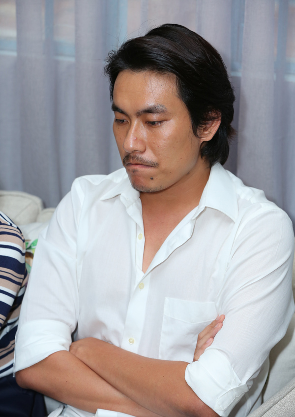 Nam diễn viên gửi lời xin lỗi bà xã, nhà sản xuất phim Chú ơi và cả những khán giả yêu lẫn ghét anh.