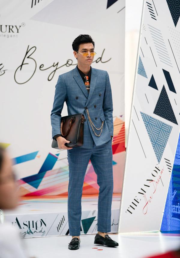 Show thời trang nam Fashion & Beyond có quy mô lớn với khoảng 1.000 khách mời, nằm trong chuỗi fashion show thường niên do một thương hiệu Việt tổ chức.