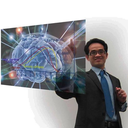 Bác sĩ Anh Nguyễn làm việc tại Bệnh viện Hoàng gia Worcester, Anh Quốc.