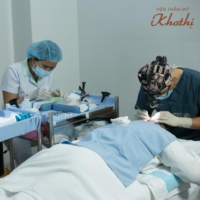 Nơi đây đáp ứng mọi nhu cầu làm đẹp gồm: tạo mặt V-line không phãu thuật 90 V-lift; giảm cân D-Otesallycool S; cấy tóc tự thân Hair Balance; các dịch vụ phẫu thuật được thực hiện bởi bác sĩ Kim Young Hwang từ Hàn Quốc.