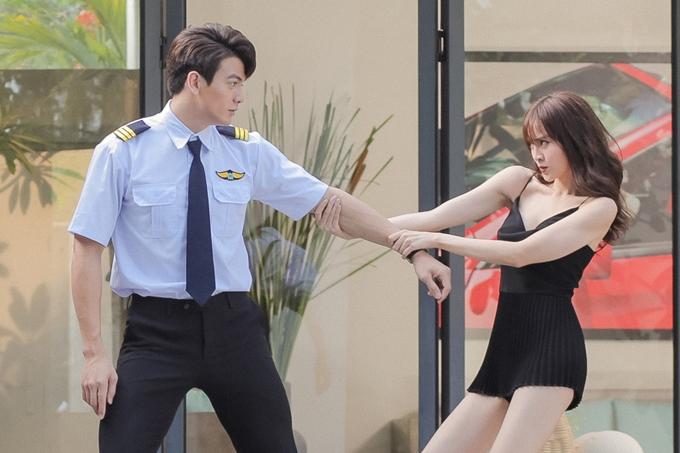 Ms.Q say đắm và rơi vào bẫy tình của chàng trai Jack bảnh bao, điển trai. Lần đầu chạm ngõ điện ảnh, Lê Xuân Tiền thể hiện vừa ngây thơ vừa lém lỉnh trong tạo hình phi công. Anh có xuất thân bí ẩn trong phim.