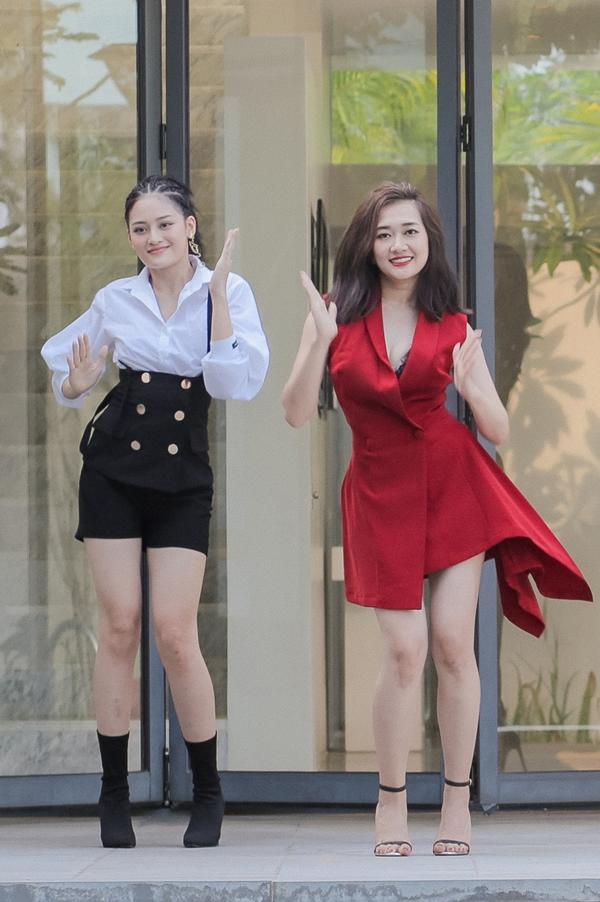 Diễn viên Thuỳ Anh (trái) vào vai Kiki Ngô. Bộ phim còn có sự tham gia của Thoại Tiên (phải), Lan Phương và dự kiến ra rạp ngày 14/12.