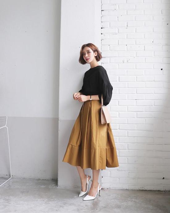 Phối chân váy ka ki hợp mốt mùa thu cho nàng công sở - 1