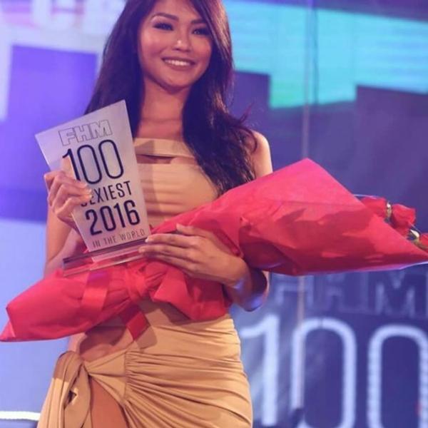 Cô từng nhiều lần góp mặt trong danh sách 100 mỹ nhân đẹp nhất Philippines do tạp chí FHM bình chọn.