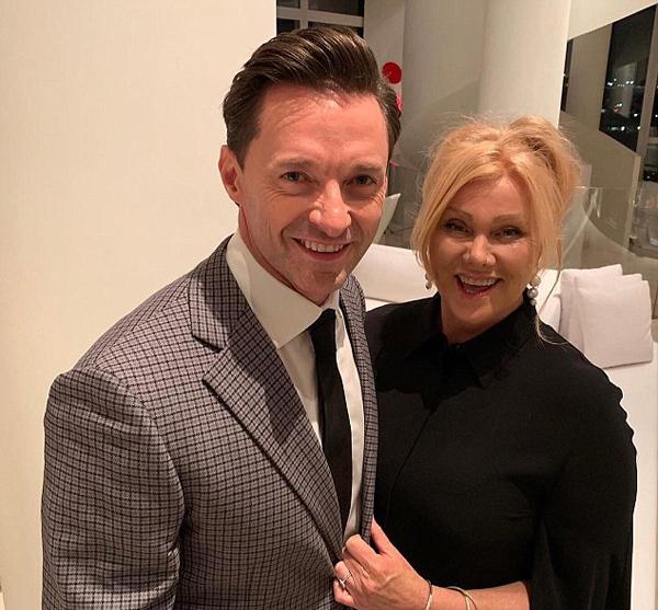 Hugh Jackman luôn trân trọng người vợ đã đồng hành bên anh 22 năm qua. Nam diễn viên gọi bà xã là cô dâu xinh đẹp và Debs của tôi trong bức ảnh vừa đăng trên Instagram.