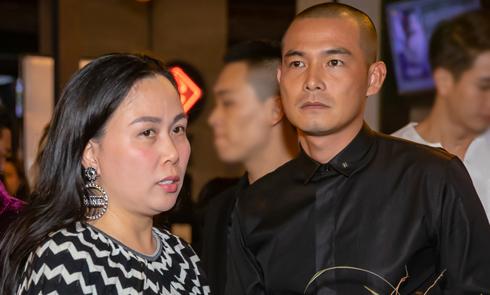 Bạn gái ra Hà Nội ủng hộ phim của Quách Ngọc Ngoan
