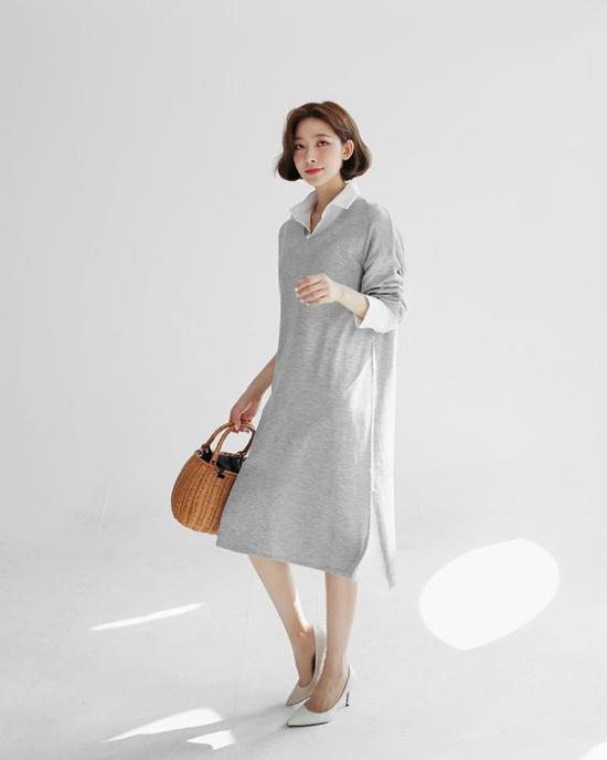 Trong tiết trời dịu mát, các kiểu áo sơ mi dáng đơn giản còn có thể mix cùng áo nỉ, váy dạ, váy len phom dáng rộng.