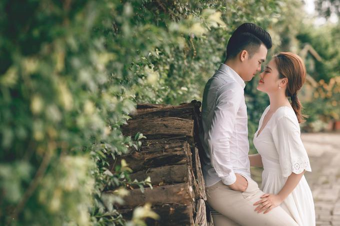 Ảnh cưới của tiền vệ Ngô Hoàng Thịnh và hot girl Tây Nguyên