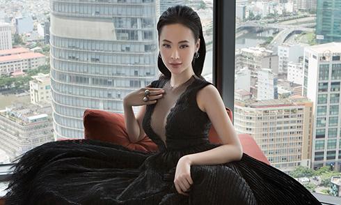 Angela Phương Trinh làm mẫu cho sưu tập váy đi tiệc của Công Trí