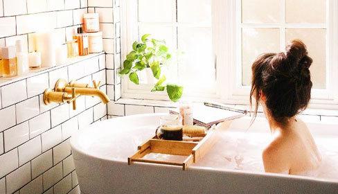 12 nguyên liệu thêm vào bồn tắm giúp da sáng mịn, thải độc