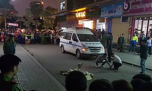 Bé sơ sinh nguyên dây rốn tử vong giữa sân chung cư Hà Nội