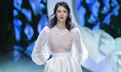 Váy cưới mang tinh thần thời trang Pháp