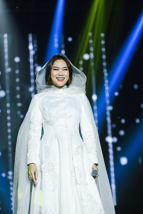 Khi yêu, chúng ta không còn chú ý đến bất cứ điều gì diễn ra xung quanh nữa. Chính nhờ tình yêu mà khán giả ở khắp nơi mới có mặt trong đêm nhạc của Tâm tại Hàn Quốc, cô chia sẻ cảm xúc.