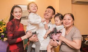Vợ chồng Tuấn Hưng tổ chức sinh nhật cho mẹ