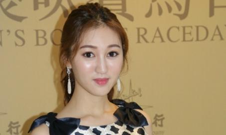Mỹ nhân TVB 'dát toàn hàng hiệu' sau khi làm vợ tỷ phú