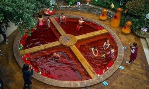 Tắm trong 'nồi lẩu Tứ Xuyên' ở Trung Quốc