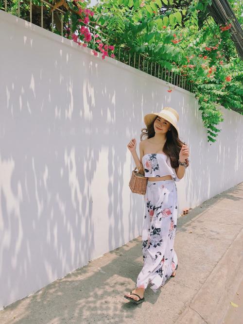 Cũng như Băng Di, diễn viên Tường Vi tự nhận bản thân thấy tự tin hơn khi ra ngoài nếu đeo trang sức đính đá quý. Cô nàng sở hữu nhiều chiếc vòng tay kiểu này từ Master Phuong.