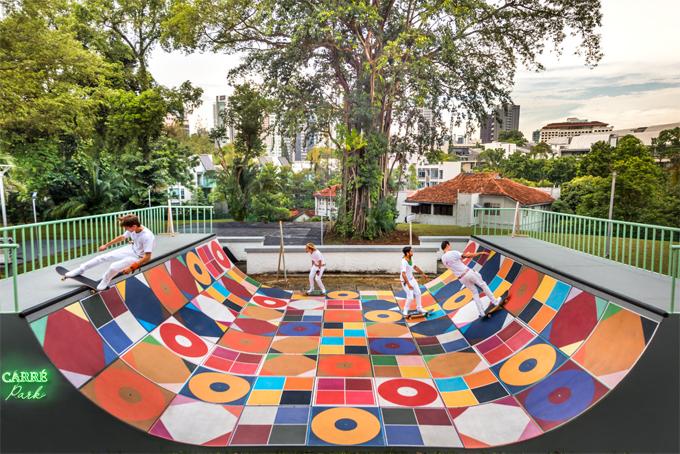 Không gian nghệ thuật của những chiếc khăn vuông