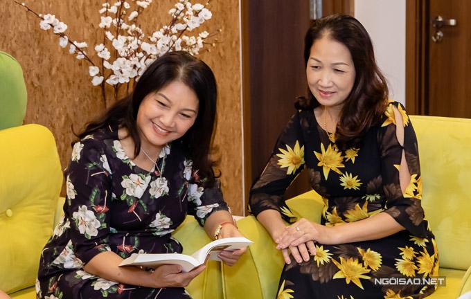 Mẹ chồng và mẹ đẻ của Bảo Thanh đều rất vui vì các con đã có một căn nhà riêng. Mỗi dịp cuối tuần, hai bà đều lên Hà Nội thăm con cháu.