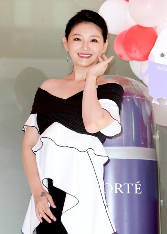 Từ Hy Viên khoe da đẹp, dáng xinh sau nửa năm chịu biến cố bỏ thai - 3