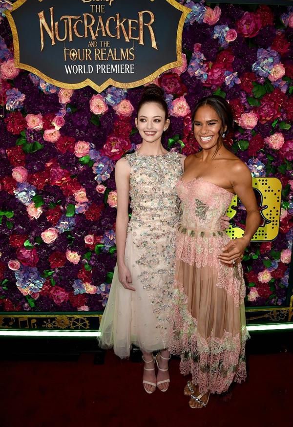 Mackenzie tái ngộ nữ bạn diễn 17 tuổi - vũ công ballet Misty Copeland. Trong phim, Misty đóng vai công chúa Ballerina.