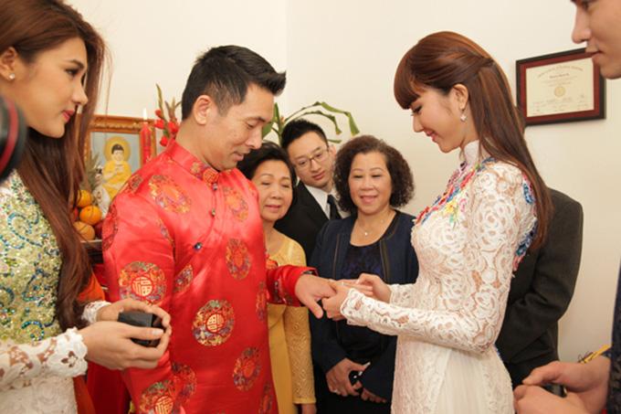 Đám cưới của Ngọc Quyên và bác sĩ Richard diễn ra vào ngày 25/1 tại Mỹ. Ngày vui của cô được diễn ra theo nghi thức truyền thống và có sự tham gia của gia đình và một số bạn bè thân thiết. Trước khi tổ chức đám cưới, Ngọc Quyên và Richard đã hoàn tất thủ tục đăng ký kết hôn tại Mỹ.