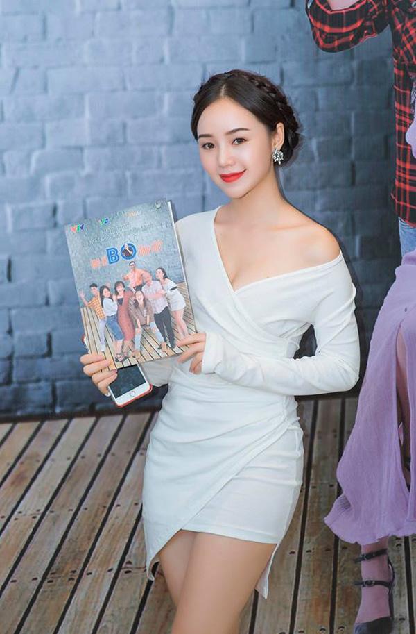 Quỳnh Kool tại buổi họp báo ra mắt phim Mẹ ơi bố đâu rồi chiều ngày 29/10.