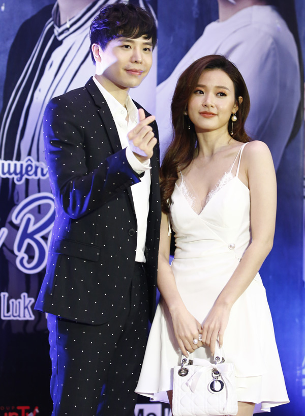 Anh vừa được mờiđóng cặp với Midu trên màn ảnh rộng. Là ca sĩ nhưng Trịnh Thăng Bình từng có kinh nghiệm tham gia nhiều bộ phim nên rất tự tin với dự án Anh mãi bên em.