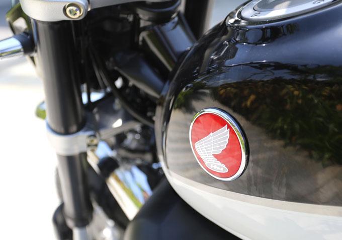 Logo nhỏ ở phần bình xăng được Honda làm khá tỉ mỉ.