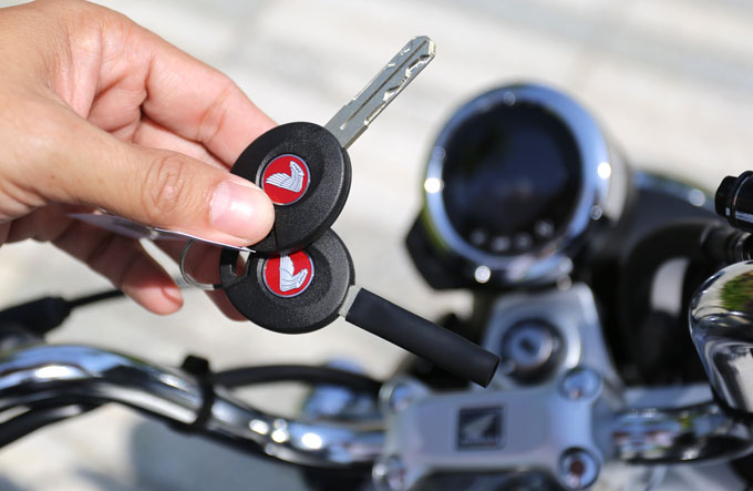Chìa khóa trên Monkey có thể xác định vị trí đậu xe, cảnh báo chống trộm.
