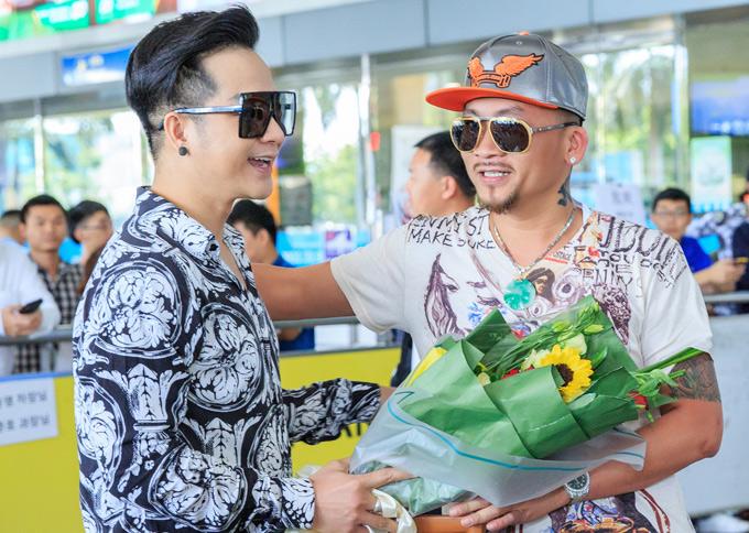 Quí Nguyễn sinh năm 1977,nổi tiếng từ năm 2016, khi giành ngôi vị quán quân giải Vô địch Pocker Thế giới tổ chức tại Mỹ và nhận giải thưởng 8 triệu USD. Vua Pocker sinh ra ở Sài Gòn, hiện định cư ở Mỹ. Anh đã kết hôn, có một con trai 6 tuổi.