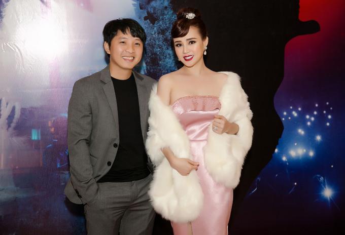 Đạo diễn Vũ Khắc Tuận chỉ đạo thực hiện MV của Vy Oanh. Sản phẩm mang màu sắc như một bộ phim hành động kịch tính với kết thúc bất ngờ.
