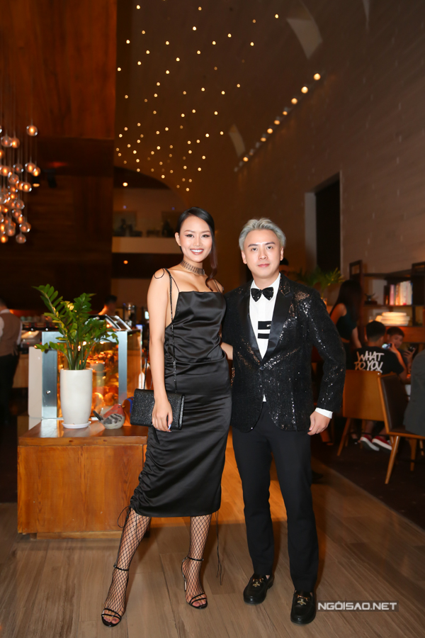 Nhà thiết kế Văn Thành Công và người mẫu
