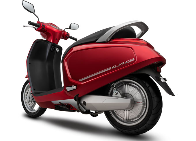 Xe máy điện Vinfast có khả năng chống ngập tốt. Xe sẽ trang bị động cơ của Đức hoặc động cơ do Vinfast chế tạo, tốc độ tối đa 50-70 km/h.