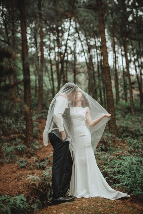 Ảnh cưới của cặp bén duyên sau 16 năm chung lớp - 7