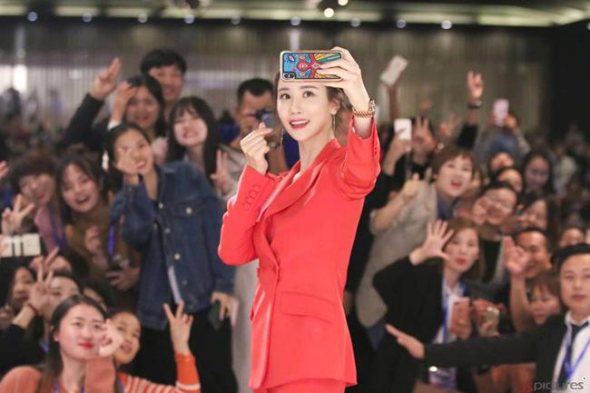 Bộ phim gần đây nhất mà Lee Da Hae đóng, Gold Witch ra mắt khán giả hồi tháng 5 vừa rồi. Tuy nhiên, phim cũng không gây được nhiều tiếng vang và giúp tên tuổi Lee Da Hae hot trở lại như kỳ vọng.