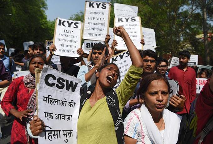Những cuộc biểu tình chống cưỡng hiếp vẫn diễn ra thường xuyên ở nhiều vùng miền Ấn Độ. Ảnh: AFP.
