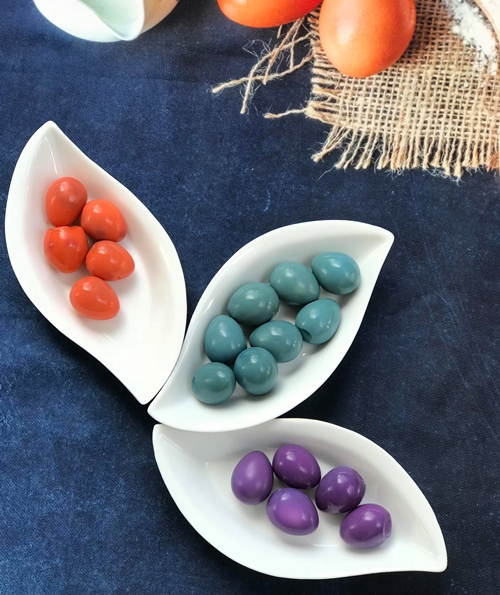 Trứng cút sau khi nhuộm màu có mùi, vị không đổi.
