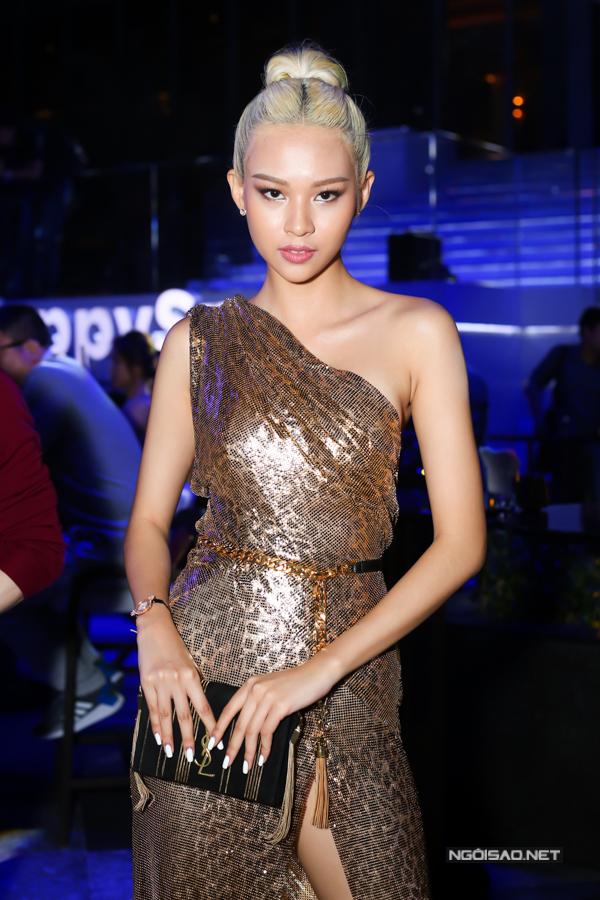 Sao Việt lăng xê xu hướng váy ánh kim - 2