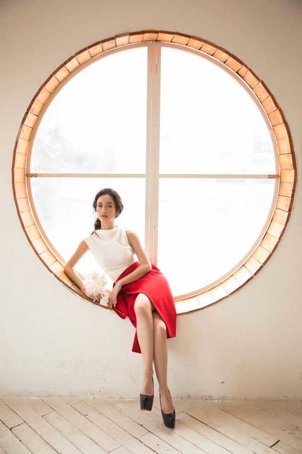 Jun Vũ diện đầm khoe vòng một nóng bỏng - 7
