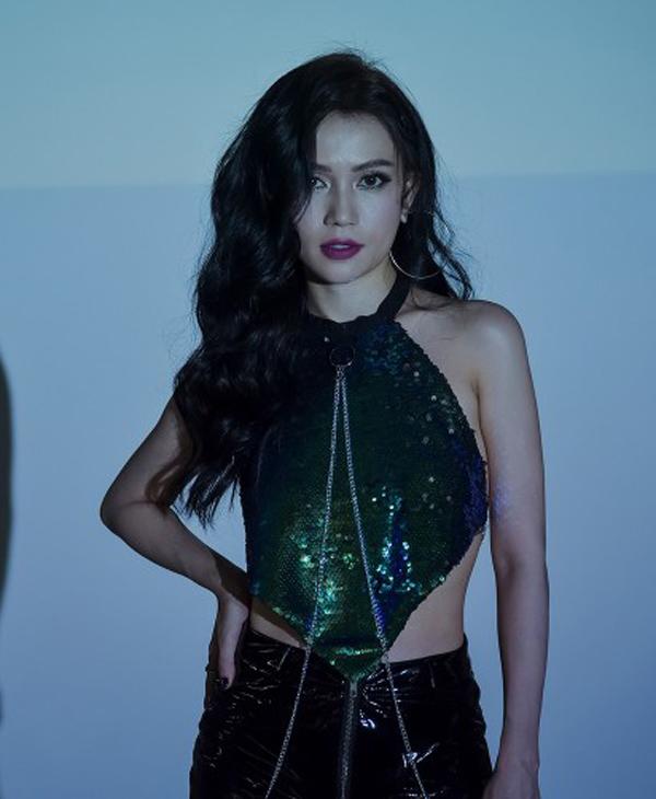 Sao Việt lăng xê xu hướng váy ánh kim - 9